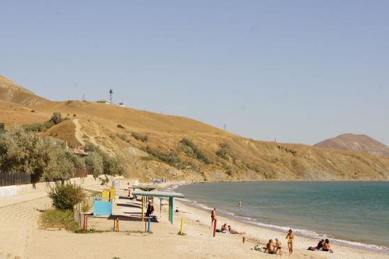 Под конец сентября пляжи пустуют